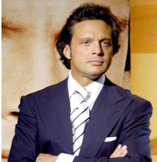 http://canales.diariovasco.com/ocio/_images/317x328/luismiguel-hospitalizado.jpg